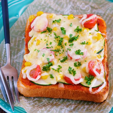 夏野菜のピザ風トースト